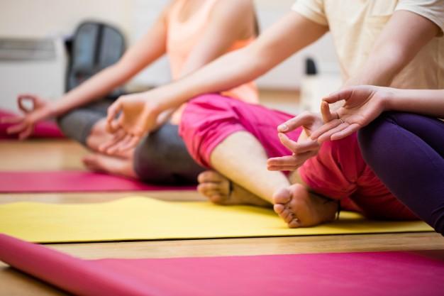 Dyrk yoga derhjemme